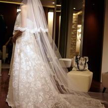 22万円のドレスにしました