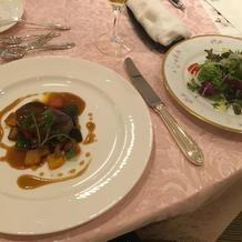 元プランコース4、5品目1(お肉、サラダ