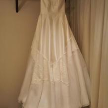 シルクの生地のドレス
