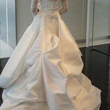 ドレス後ろ3