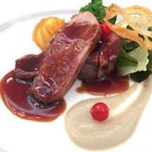強肴の牛肉と鴨肉