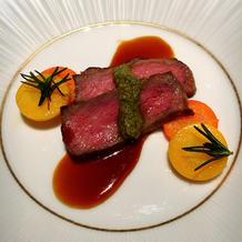 肉料理 魚料理とデザインが似てますね。