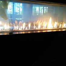 入り口に炎の演出