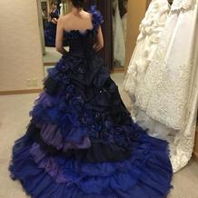 カラードレスの写真です