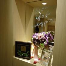 鏡には好きなメッセージを書けるそう。