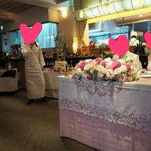 ピンク色のテーブルクロスにしました!