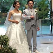 白ドレスの正面