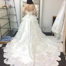 ドレープがきれいなドレス