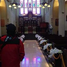 ステンドガラスが素敵な教会。