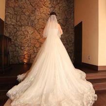 刺繍が綺麗なドレスにしました
