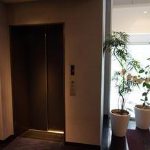 会場フロアに続くエレベーターです。