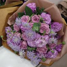 新郎からのサプライズ花束