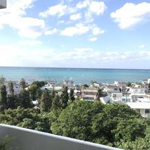 晴れていると海が輝く景色
