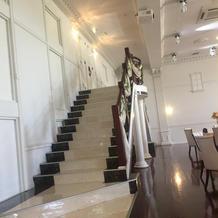 披露宴会場2階からの入場