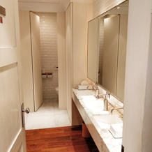 トイレにアメニティ置きや鏡ペン書きOK