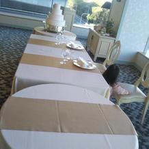 披露宴会場メインテーブル