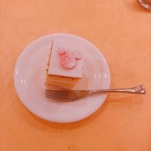 ウエディングケーキ カット後