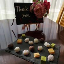 親族待機部屋にて和菓子を出して頂きました