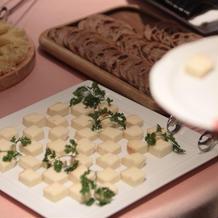 種類豊富なチーズビュッフェ
