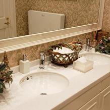 お手洗の洗面スペースも綺麗