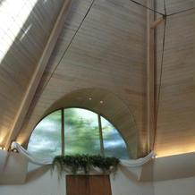 天井の高いものチャペル