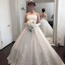 ウエディングドレスの例(正面)