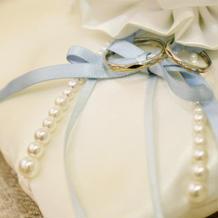 結婚指輪 リングピローはレンタルしました