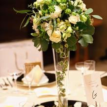 ゲストテーブルの装花 こだわりました