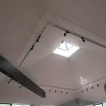 チャペルの真ん中くらいにある天窓