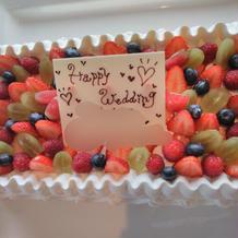 ケーキに日付、名前を入れてくれます