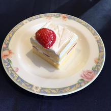 カットしたケーキをお配りしました。