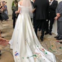 インポートのドレスです。