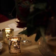 ゲストのテーブルのキャンドル
