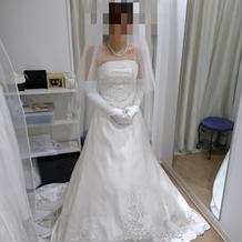 試着1(前)+3万円のドレスです。