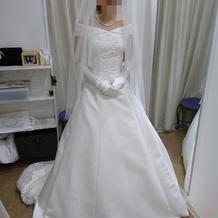 試着3(前)+3万円のドレスです。