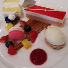 デザートとカットケーキ