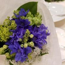 テーブルのお花はゲストにプレゼント