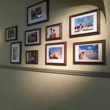 壁に写真が飾れます
