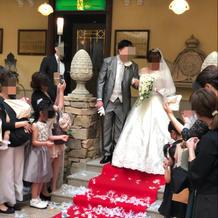 挙式時のウェディングドレス