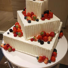 ブライダルフェアでウェディングケーキ例