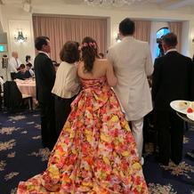 カラードレスは蜷川実花さん