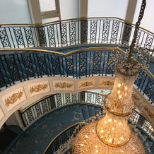 披露宴会場からの螺旋階段