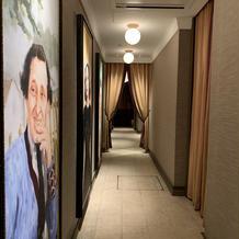 披露宴会場への廊下