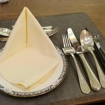 試食時のテーブルセッティング
