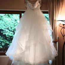 1着目ウェディングドレス