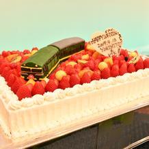 トワイライトエクスプレスを乗せたケーキ