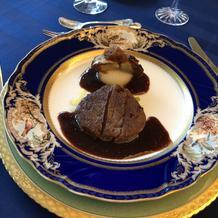 牛フィレ肉のステーキ フォアグラ柏カブ