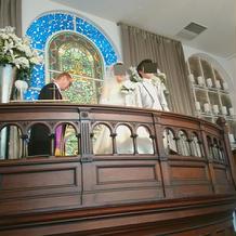 上にある祭壇
