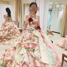 大政絢ちゃんプロデュースドレス