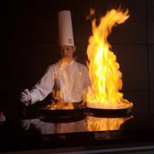 ステーキの炎の演出